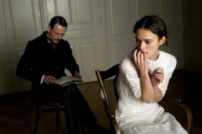 a-dangerous-method-movie-image-michael-fassbender-keira-knightley-02-600x398
